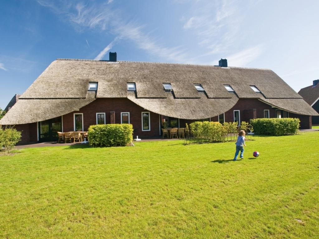 Komfort 24 Personen Bauernhaus im Ferienpark Hof van Saksen